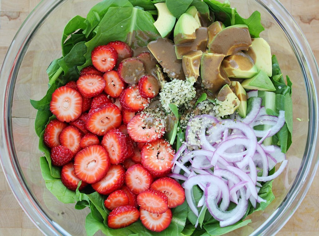 Spinach & Strawberry Salad with Black Garlic Dressing