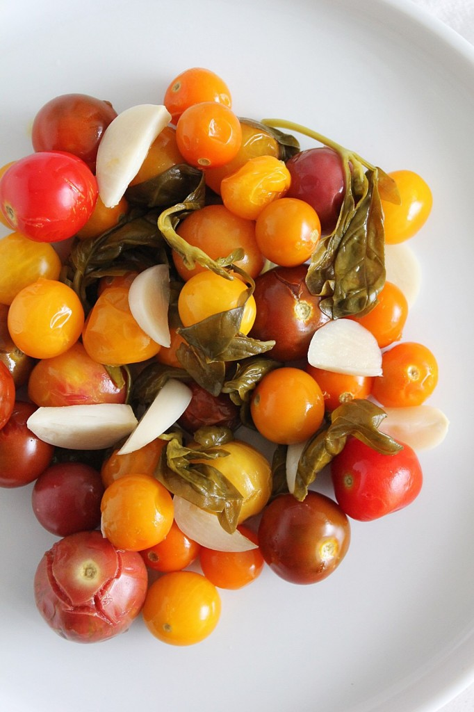Lacto-Fermented Basil & Garlic Tomatoes