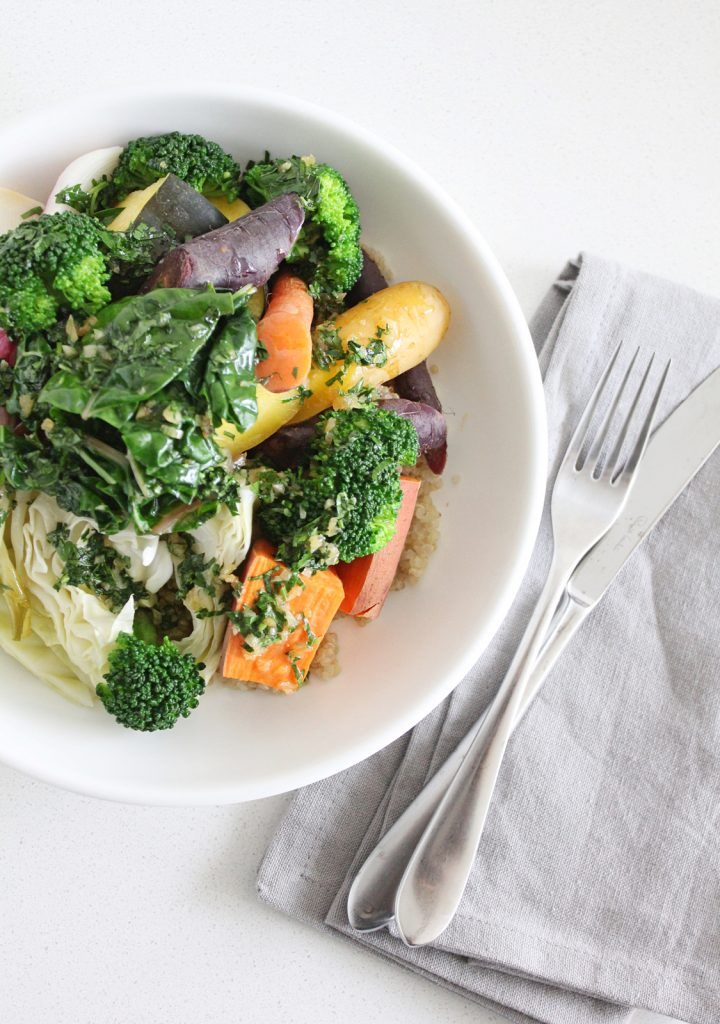 Steamed Veggie & Quinoa Bowl with Garlic 'Butter'